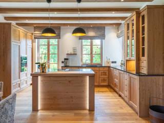 Massivholzküche Landhaus Küchen von Beer GmbH Landhaus