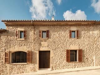 "GR13 ""Road to Calvary"" Minimal Studio Casas rurales Piedra Beige"