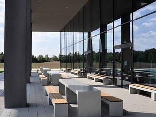 oggi-beton Balcon, Veranda & Terrasse modernes Béton