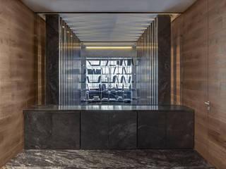 Casa LV35 Pasillos, vestíbulos y escaleras modernos de Serrano Monjaraz Arquitectos Moderno