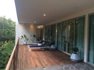 Barandales y escaleras Balcones y terrazas modernos de SIALVI Moderno