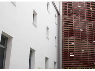 Minimalistische Häuser von Amiel&Jules PhotoLive Minimalistisch