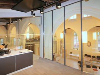 Extensions in glass Modern offices & stores by Ion Glass Modern