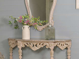 Large Ornate Antique Portuguese Console Table & Mirror in Blush Pink de The Treasure Trove Shabby Chic & Vintage Furniture Rústico