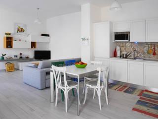 Casa di ringhiera in Via Borsieri Soggiorno moderno di studio di progettazione architetto caterina martini Moderno