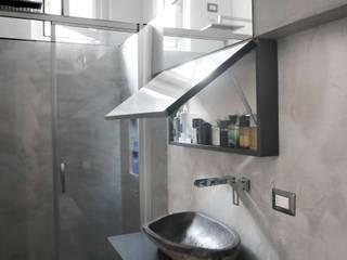 Baños de estilo moderno de studio di progettazione architetto caterina martini Moderno
