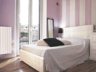 Casa di bambola Camera da letto eclettica di studio di progettazione architetto caterina martini Eclettico