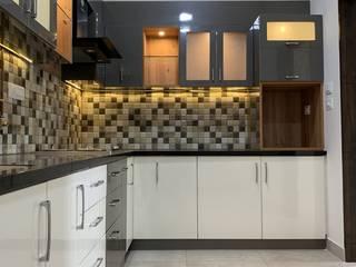 Cocinas de estilo moderno de U and I Designs Moderno