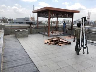 Corporate office on terrace Classic style balcony, veranda & terrace by AEON CONSTRUCTION Classic