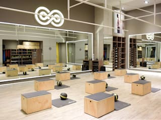 Sersana Salones de estilo moderno de Martina arquitectura Moderno