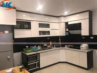 Tư vấn đóng tủ bếp acrylic màu trắng cho căn bếp diện tích nhỏ hẹp bởi Nội thất Nguyễn Kim
