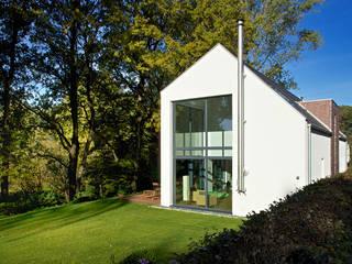 Landhaus mit Galerie:  Häuser von seyfarth stahlhut architekten bda Part GmbB,Modern