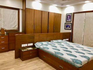 Mr. Shah:  Bedroom by Chaitali Shah ,Modern