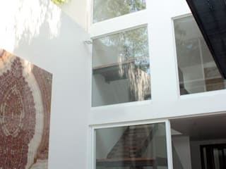 emARTquitectura Arte y Diseño ミニマルスタイルな 壁&床 コンクリート 白色