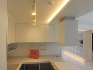 부산 가야 e편한세상 45평형 인테리어: 조은날인테리어디자인의  주방 설비,모던