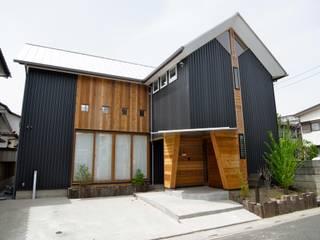 Nhà phong cách Bắc Âu bởi 株式会社高野設計工房 Bắc Âu