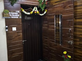 LUXURIOUS 3 BHK Flat Interior Designing for Mr. Mahendra Wasnik | Dhanori, Pune | Modern style doors by varsha interiors Modern