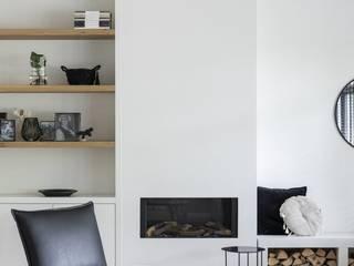 Vrijstaande woning Alkmaar Moderne woonkamers van Lifs interieuradvies & styling Modern