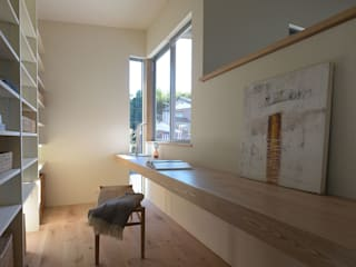 Modern study/office by NASU CLUB Modern