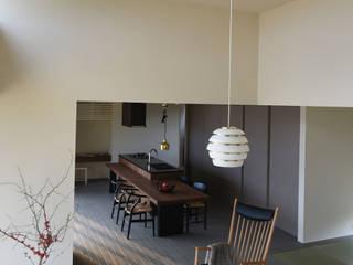 Ruang Keluarga Modern Oleh NASU CLUB Modern