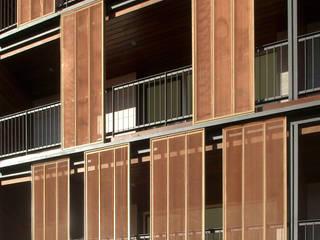 Modern houses by SANTI VIVES ARQUITECTURA EN BARCELONA Modern