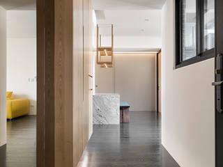 【我的家裡空無一物 編號005】 斯堪的納維亞風格的走廊,走廊和樓梯 根據 衍相室內裝修設計有限公司 北歐風