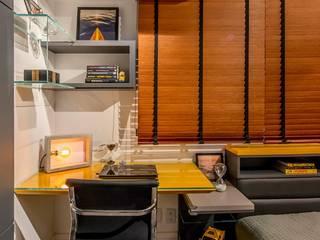 Quarto Masculino | Projeto de Arquitetura de Interiores:   por Virna Carvalho Arquiteta,Moderno