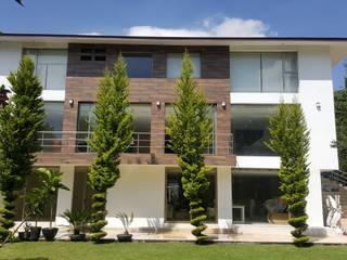 Remodelación de residencia Modena Arquitectura, S.A. de C.V. Acabado en madera
