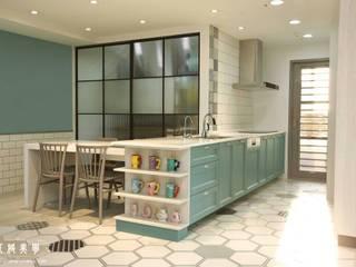 北歐混合美式    整體風格主軸:  置入式廚房 by 匠將室內裝修設計股份有限公司, 北歐風