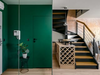 Modern Corridor, Hallway and Staircase by Q2Design Modern