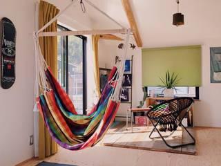 ガレージでDIYを楽しむ家 北欧デザインの 書斎 の ELホーム/KURASU HOUSE 北欧