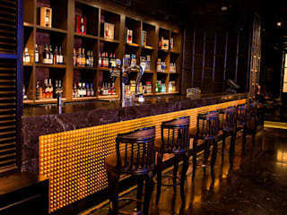 ARK BAR, BY COURTYARD MARRIOT Asian style bars & clubs by Acmeview Interior Solutions Asian