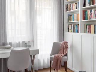01 Klasyczne domowe biuro i gabinet od DEKA DESIGN Klasyczny