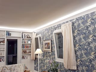 EL802 - cornice per illuminazione indiretta led a soffitto Soggiorno in stile scandinavo di Eleni Lighting Scandinavo