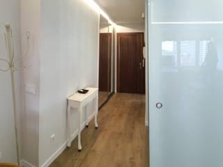 Reforma integral de Estudio en Arguelles Pasillos, vestíbulos y escaleras de estilo moderno de Arquide Estudio, reforma y rehabilitación en Madrid Moderno