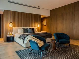 Modern style bedroom by IAARQ (Ibarra Aragón Arquitectura SC) Modern