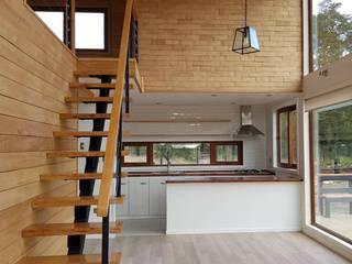 Casa BDM Salas multimedia de estilo moderno de Soc. Constructora Cavent Spa Moderno