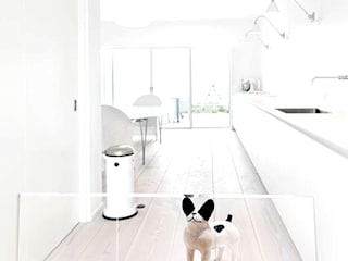 WORKSTUDIO Living roomCupboards & sideboards Plastic Transparent