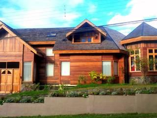 Casa Frutillar bajo / Chile de simoniarquitecto Clásico