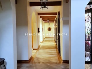 Structura Architects Mediterranean corridor, hallway & stairs Tiles Brown