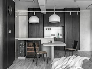 Minimalist dining room by 湜湜空間設計 Minimalist