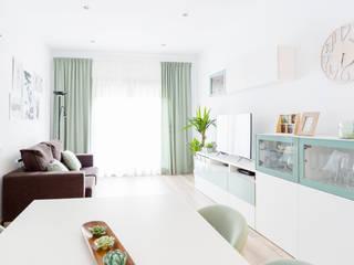Estudi Aura, decoradores y diseñadores de interiores en Barcelona Sala da pranzo moderna
