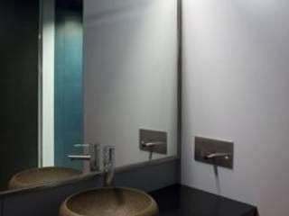SARGRUP İNŞAAT VE ENERJİ LTD.ŞTİ. – VALCHROMAT RENKLİ MDF: minimalist tarz , Minimalist
