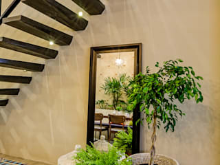 Stairs by UNO DOS INTERIORES, Eclectic