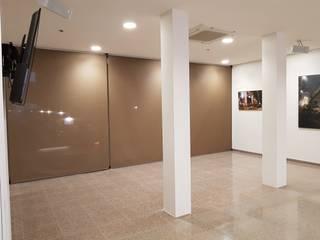 modern  oleh Teixits Padua, Modern