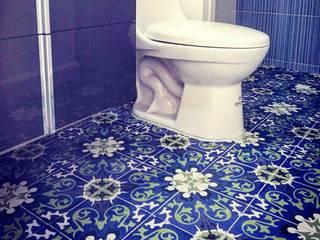 Casa campestre (Baldosín Rabo de gallo) SANTA ELENA BALDOSINES ARTESANALES S.A.S Baños de estilo rural