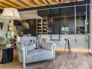 Wohnzimmer von ImofoCCo - Fotografia Imobiliária, Ausgefallen