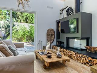 Living room by ImofoCCo - Fotografia Imobiliária, Eclectic