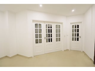 MILOBRAS - Empresa de Obras e Remodelação Koridor & Tangga Modern White