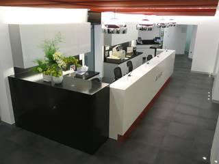 Laboratorios Axpe, proyecto integral Bilbaodiseño Clínicas de estilo moderno